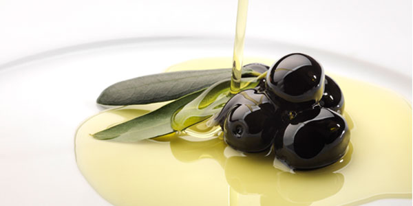 Example of a Mediterranean diet - olives and olive oil